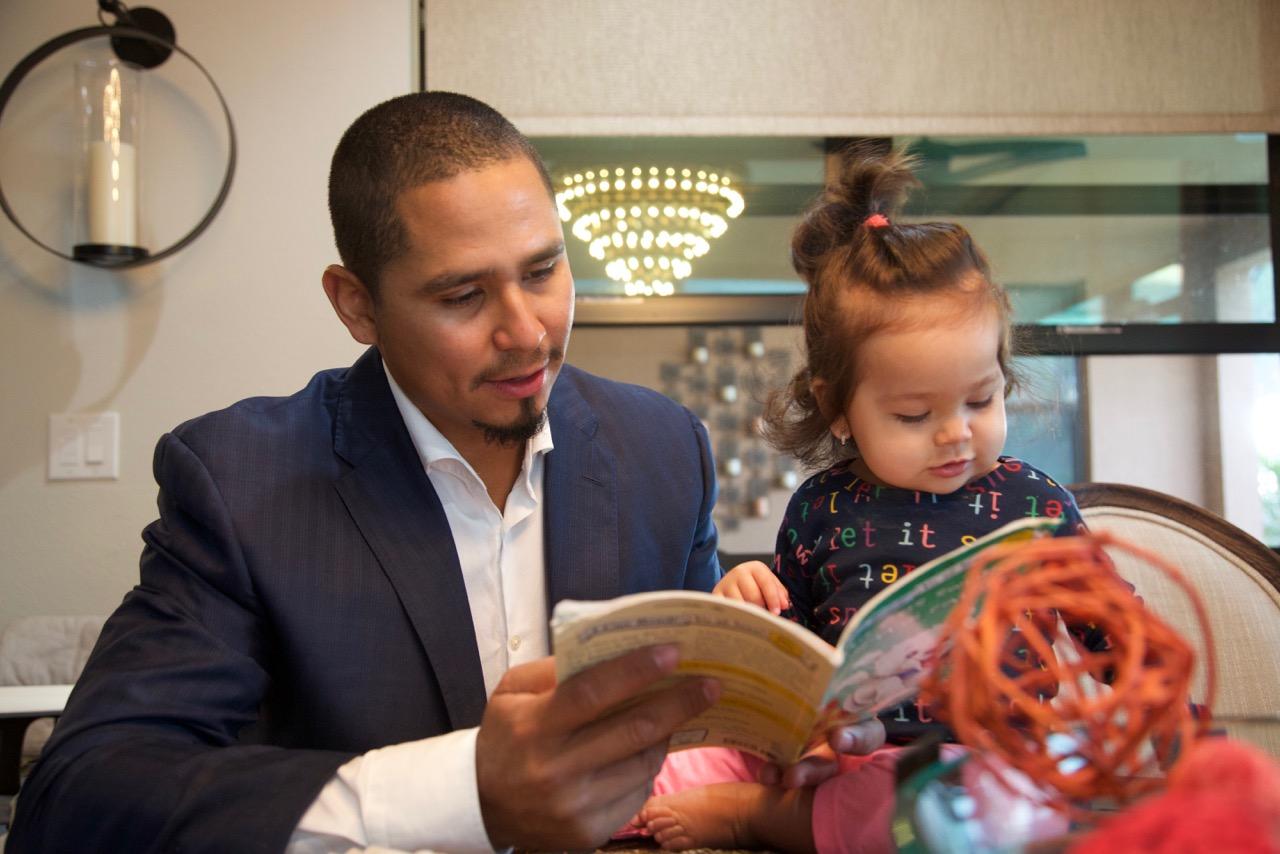 Carlos reading