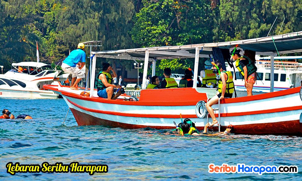 perahu jelajah untu hopping island dan snorkeling