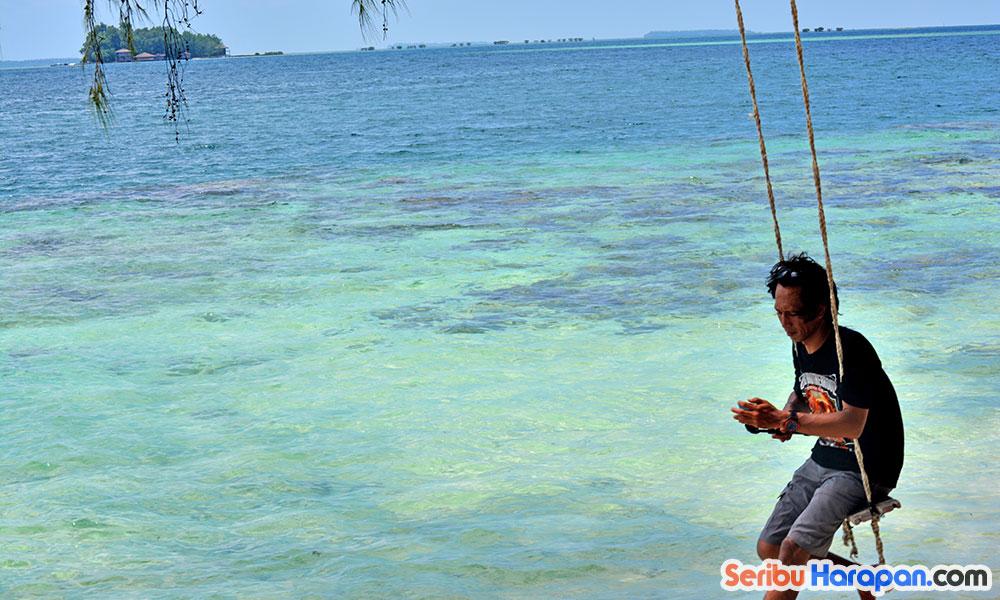 bersantai di pulau perak kepulauan seribu