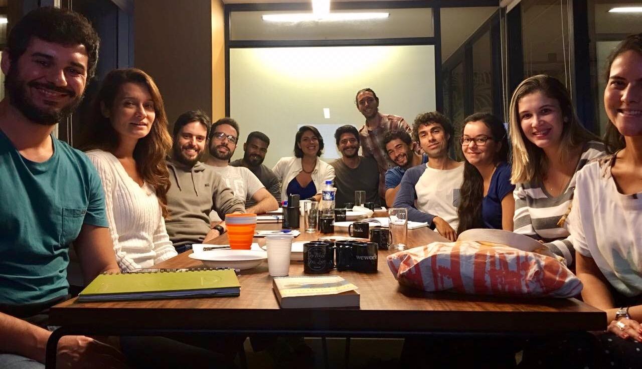Turmas de 12 alunos no curso de finanças e investimentos inteligentes