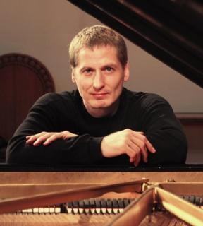 Daniel Glover, pianist