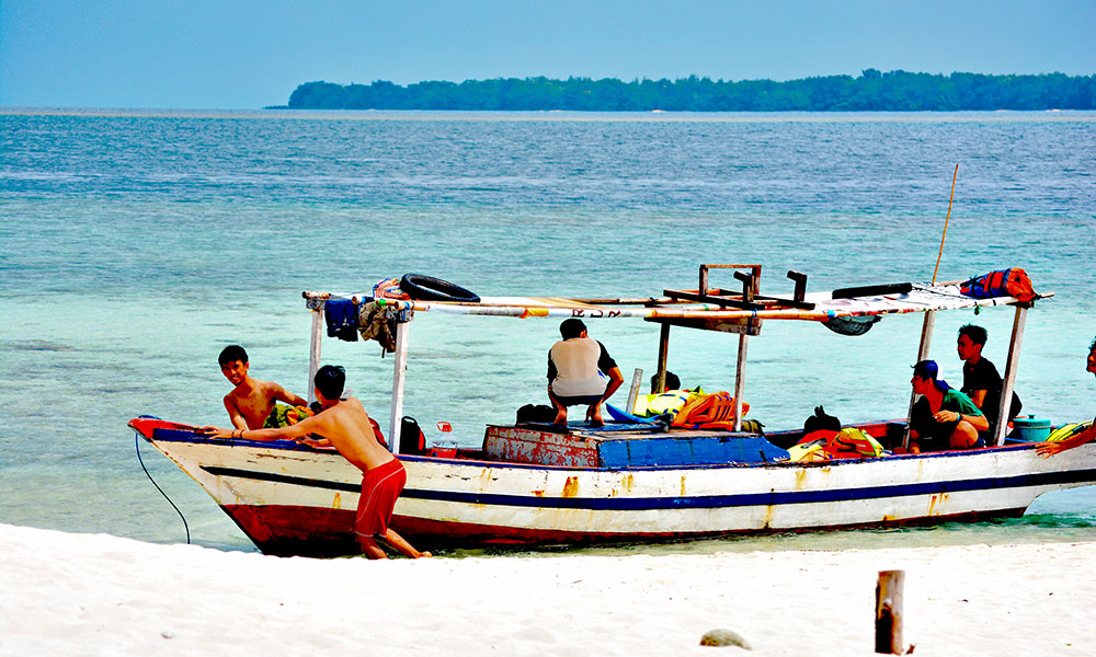 perahu wisata pulau harapan