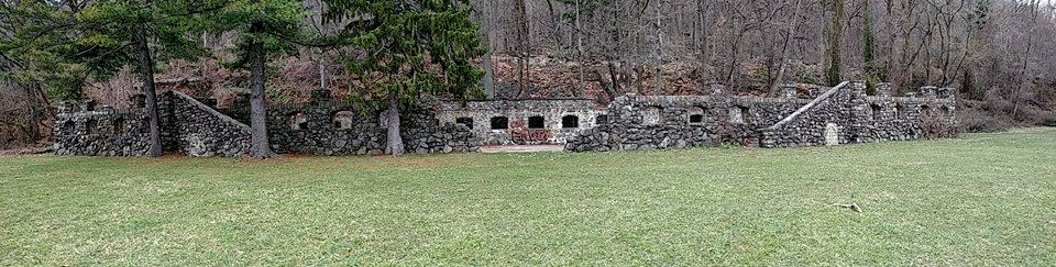 Undercliff stone bath house ruins in Palisades, NJ