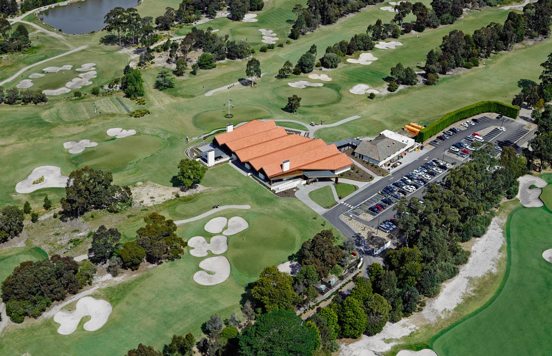 Huntingdale Golf Club by Peter Clarke