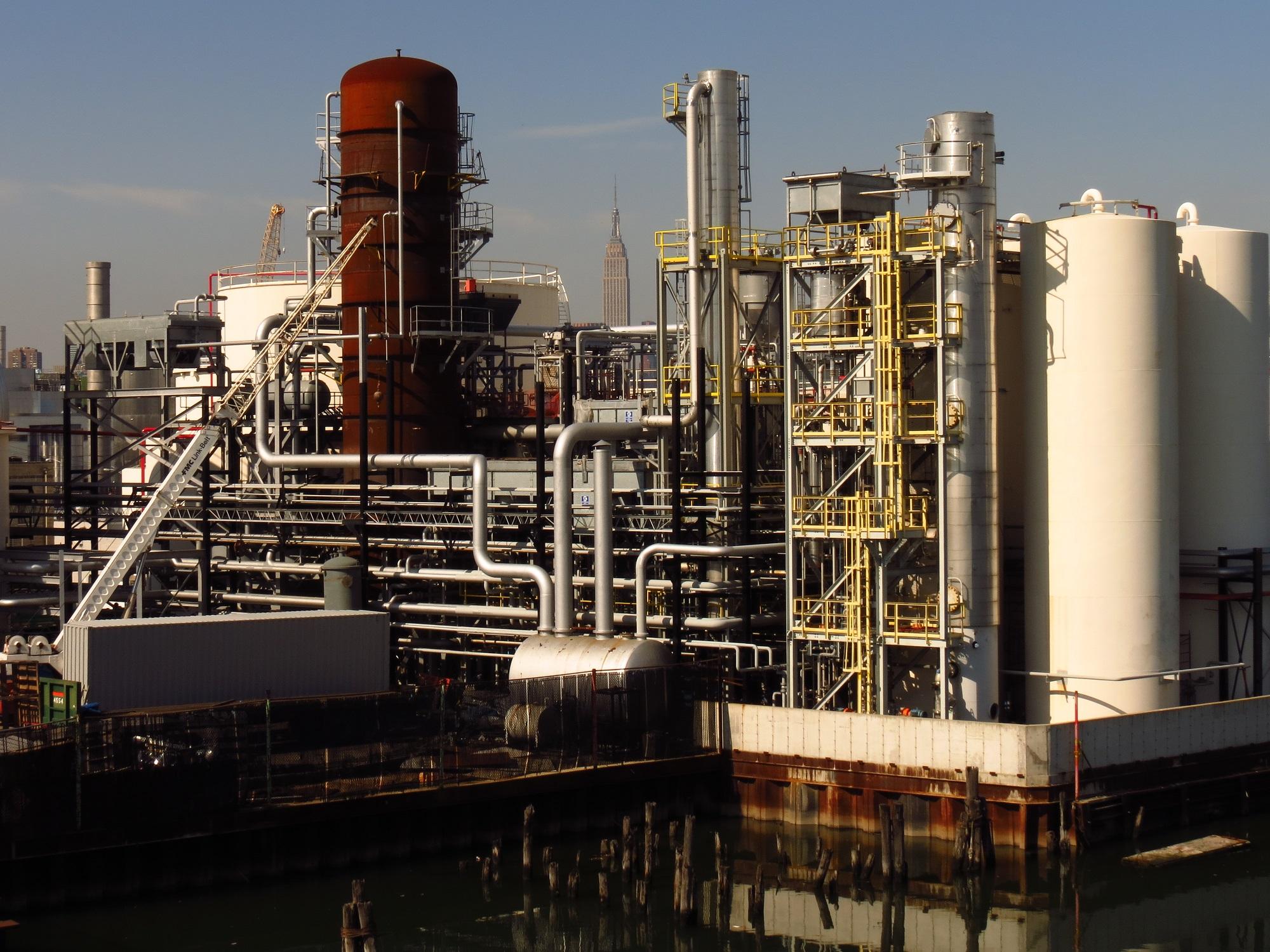 Newtown Creek Oil Refinery - 10-20-12