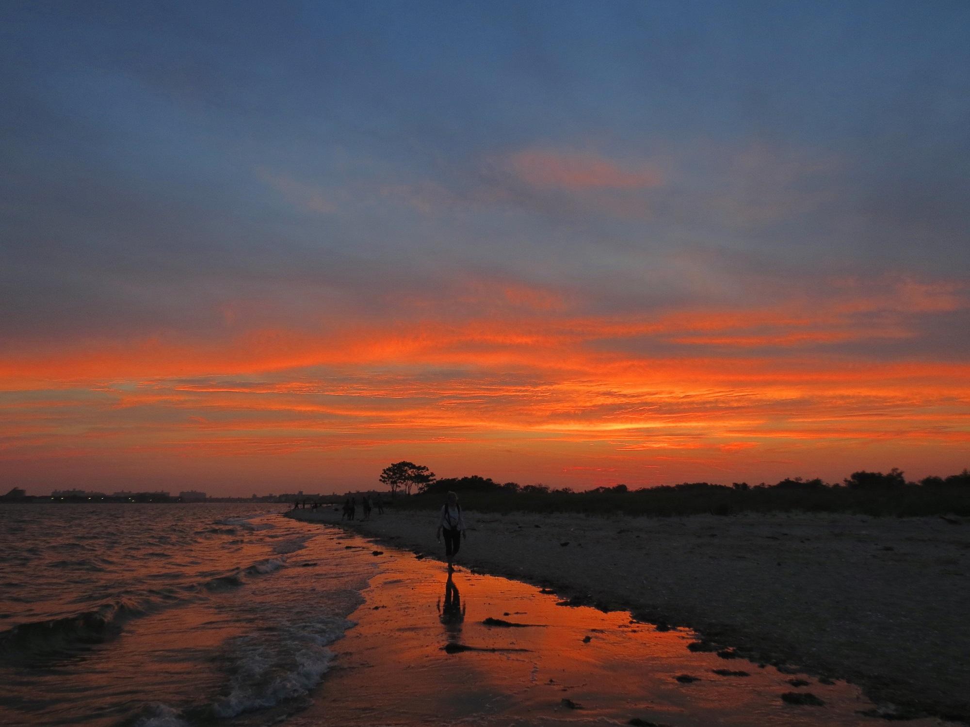 Plumb Beach - Sunset Walk