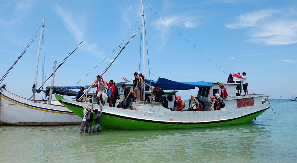 perahu wisata ke gili labak