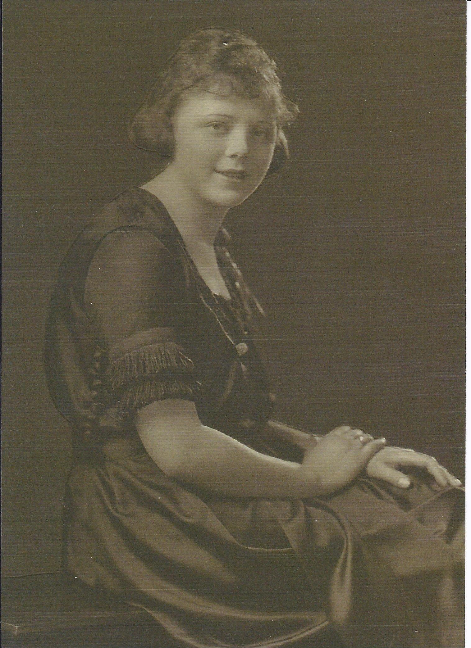 Lillian Byer circa 1918