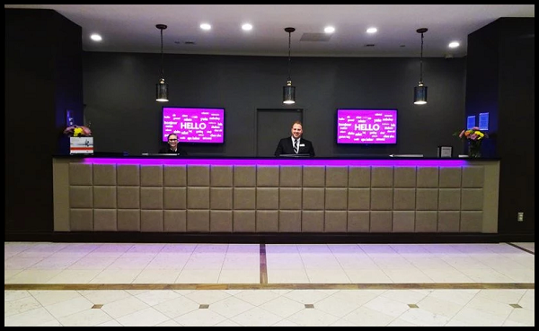 FRONT DESK –– CROWNE PLAZA DANBURY