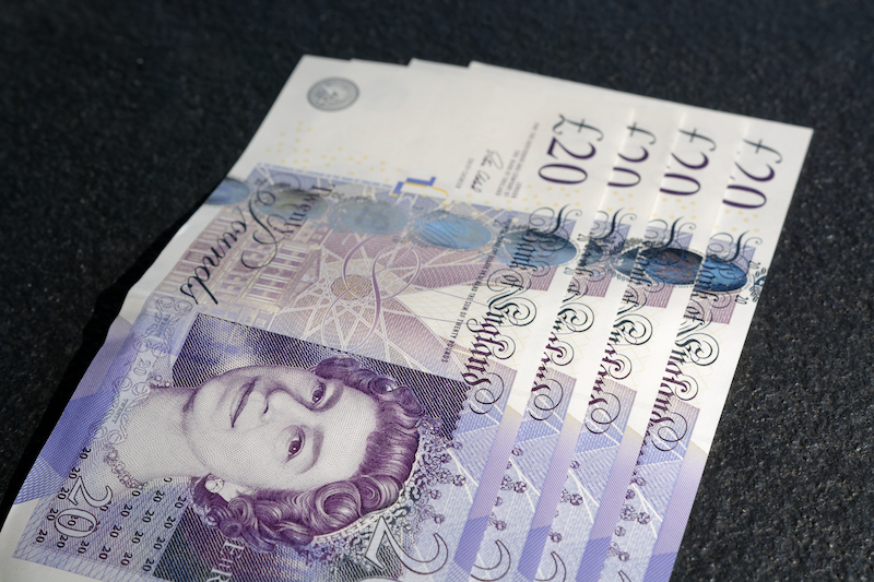 Finance 20 pound notes