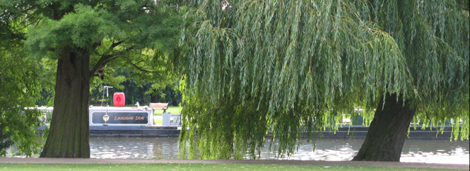 Stratford-upon-Avon - by the river