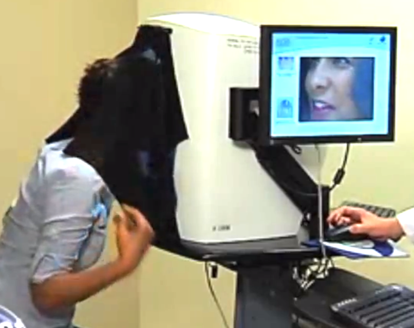 Facial skin analysis machine