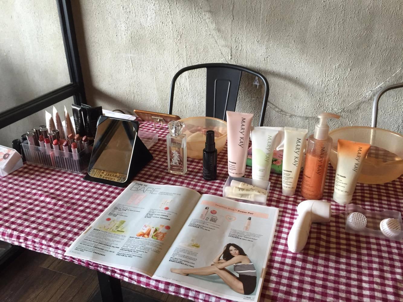 Pop Up Beauty Bar