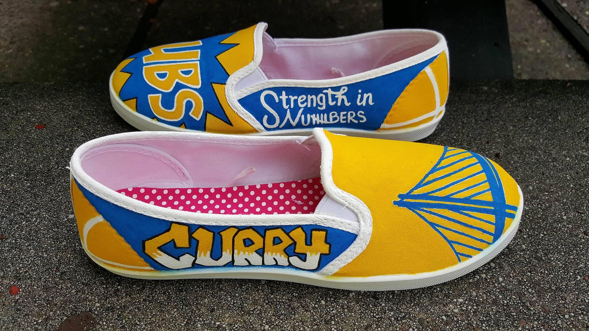 Warriors side of shoe