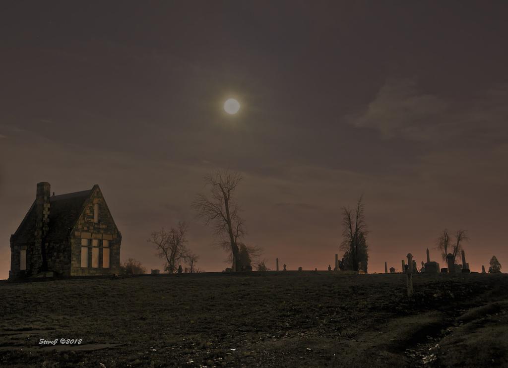 Riverside Stone House 2011 Oct Full Moon by Steve Johnson