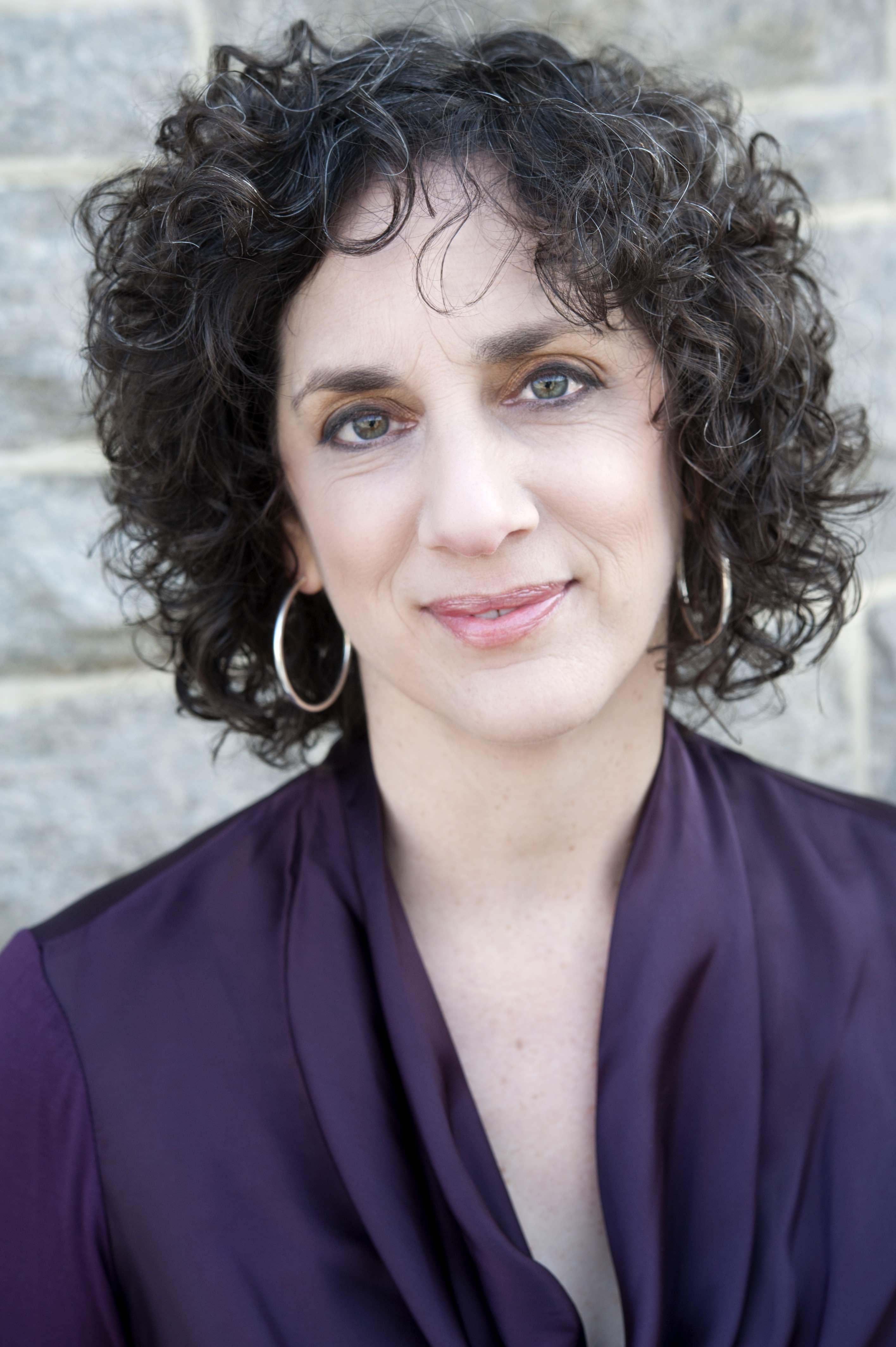 Leslie O'Flahavan