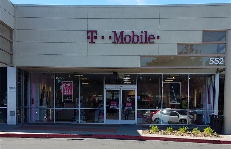 Picture of T-Mobile Store