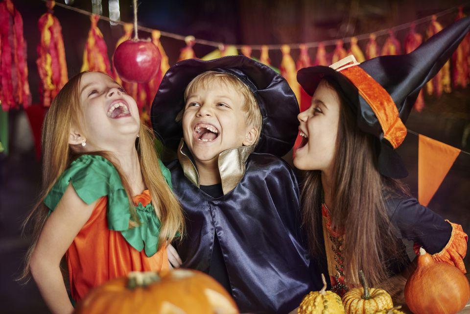 Halloween Feest.Halloween Glow Kids Party Tickets Multiple Dates Eventbrite