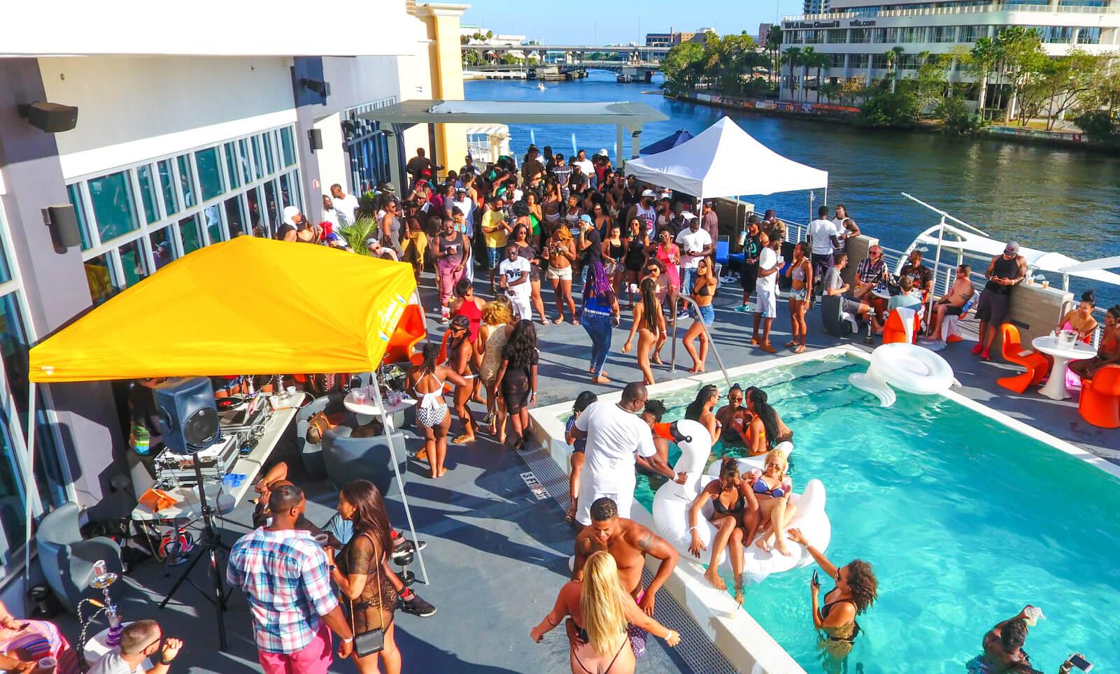 Aloft Tampa Pool