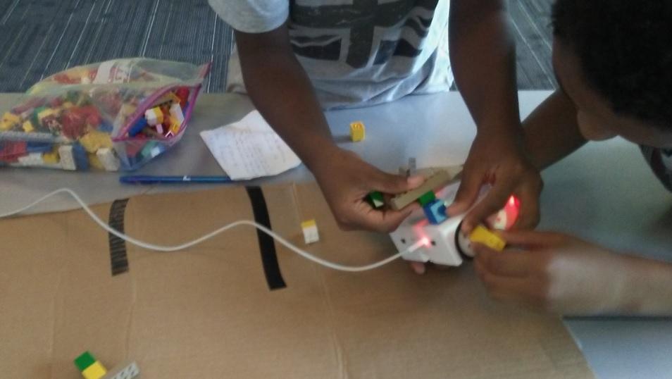Robotics class for children at DC libraries