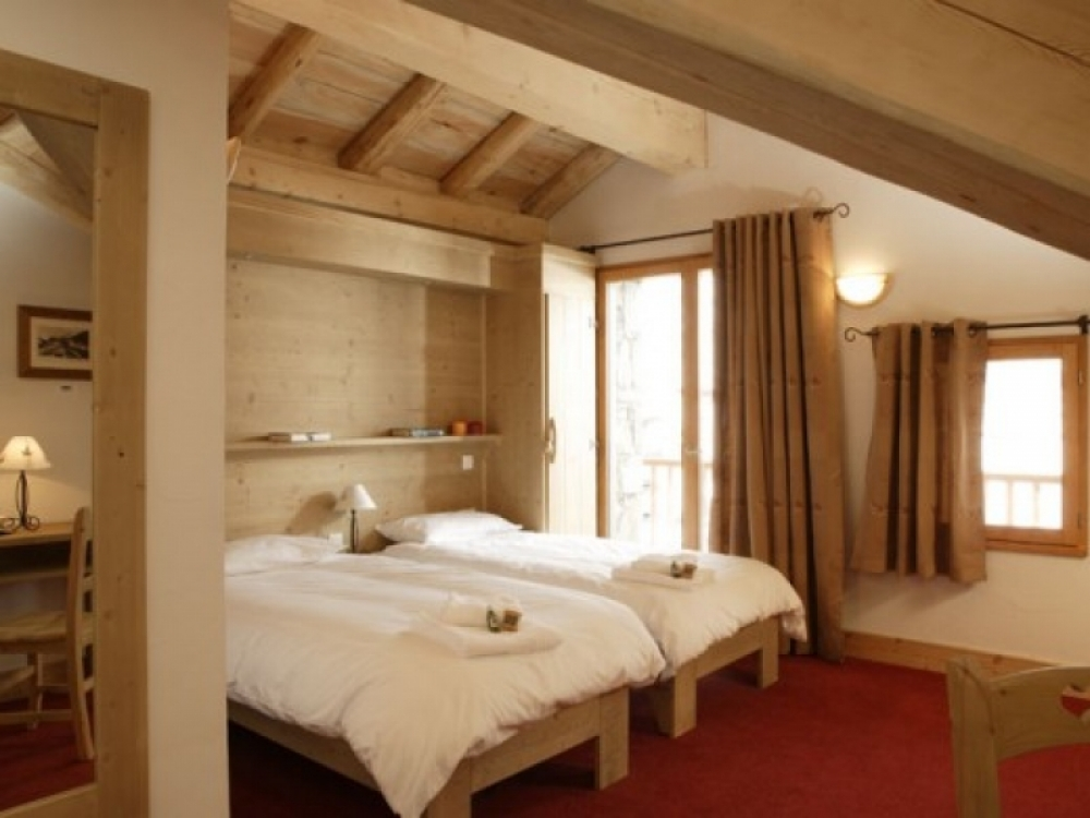 Aigle Ski Lodge - bedroom