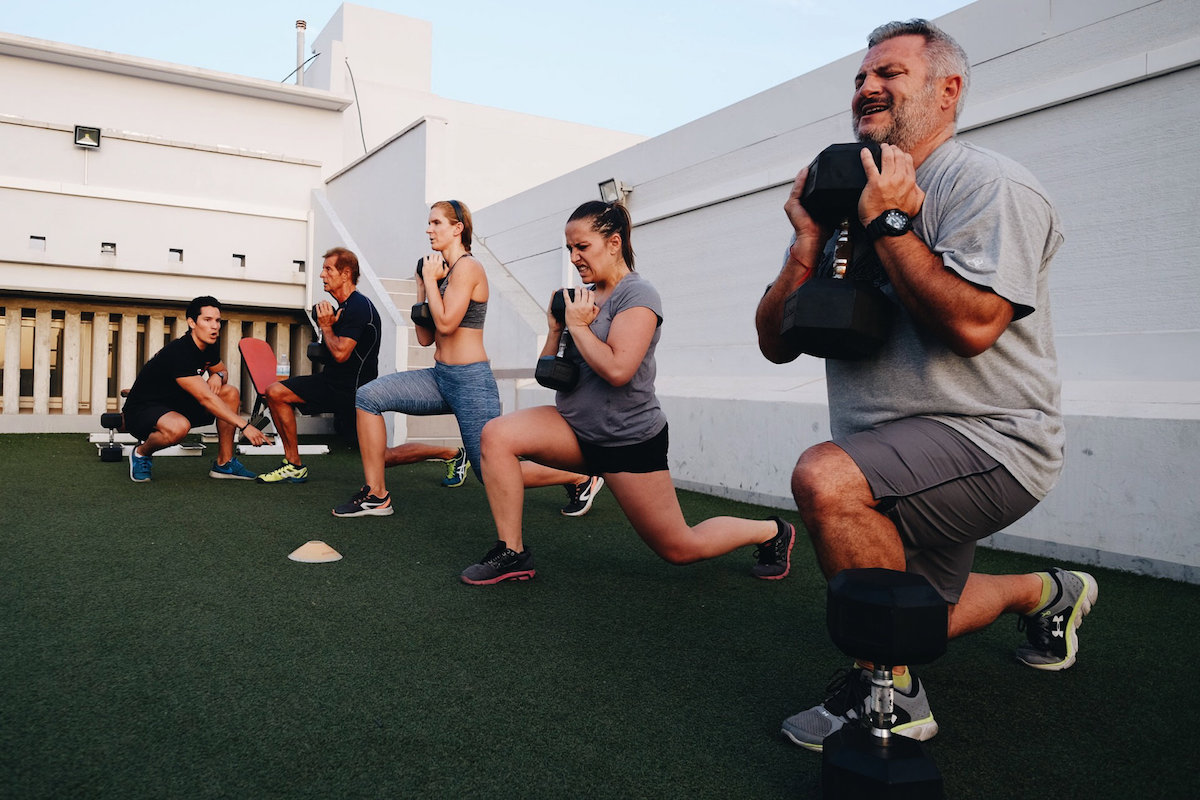 Marbella Training Camp - dumbbell lunges