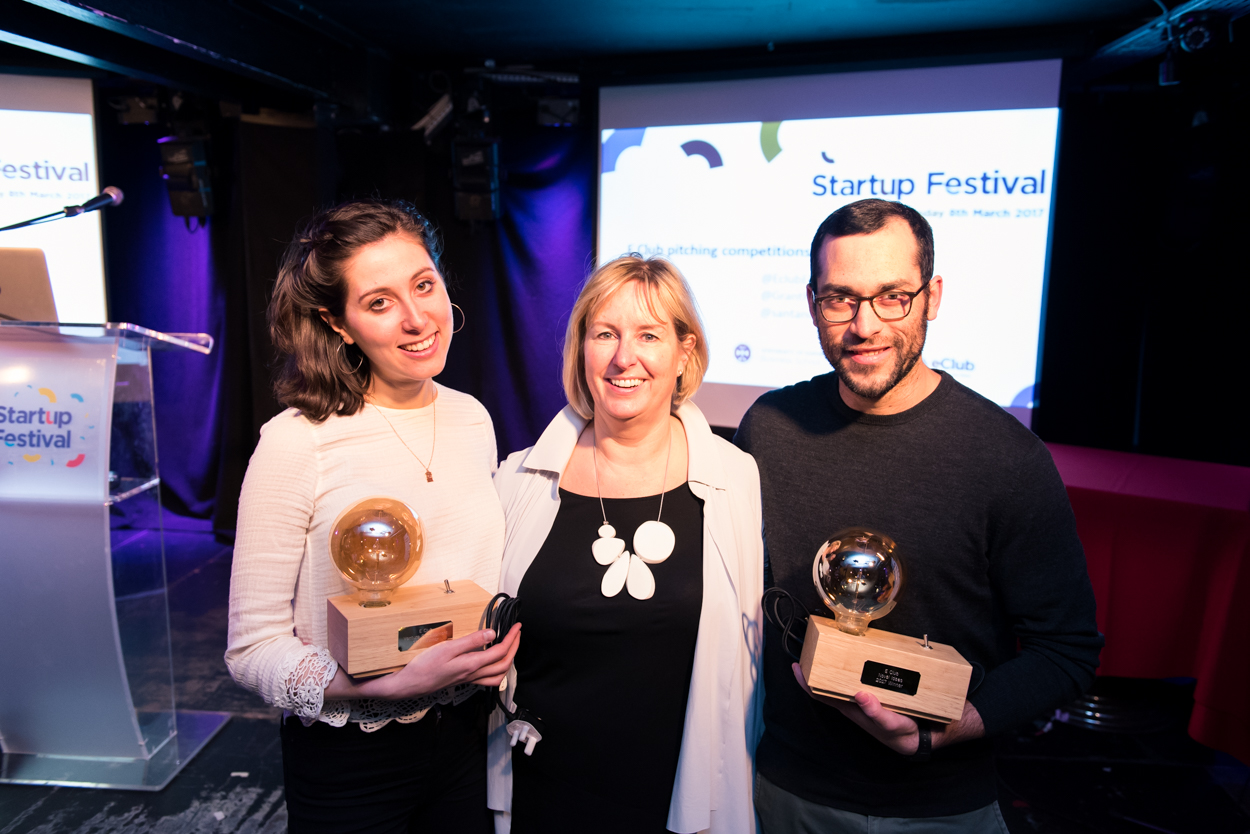 E Club pitching competition awards - E Club Start-up Festival 2016