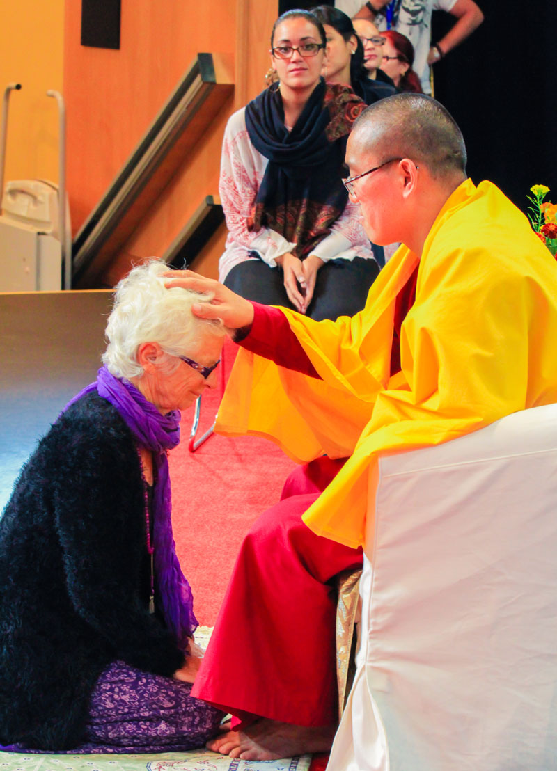 Sri Avinash giving Darshan