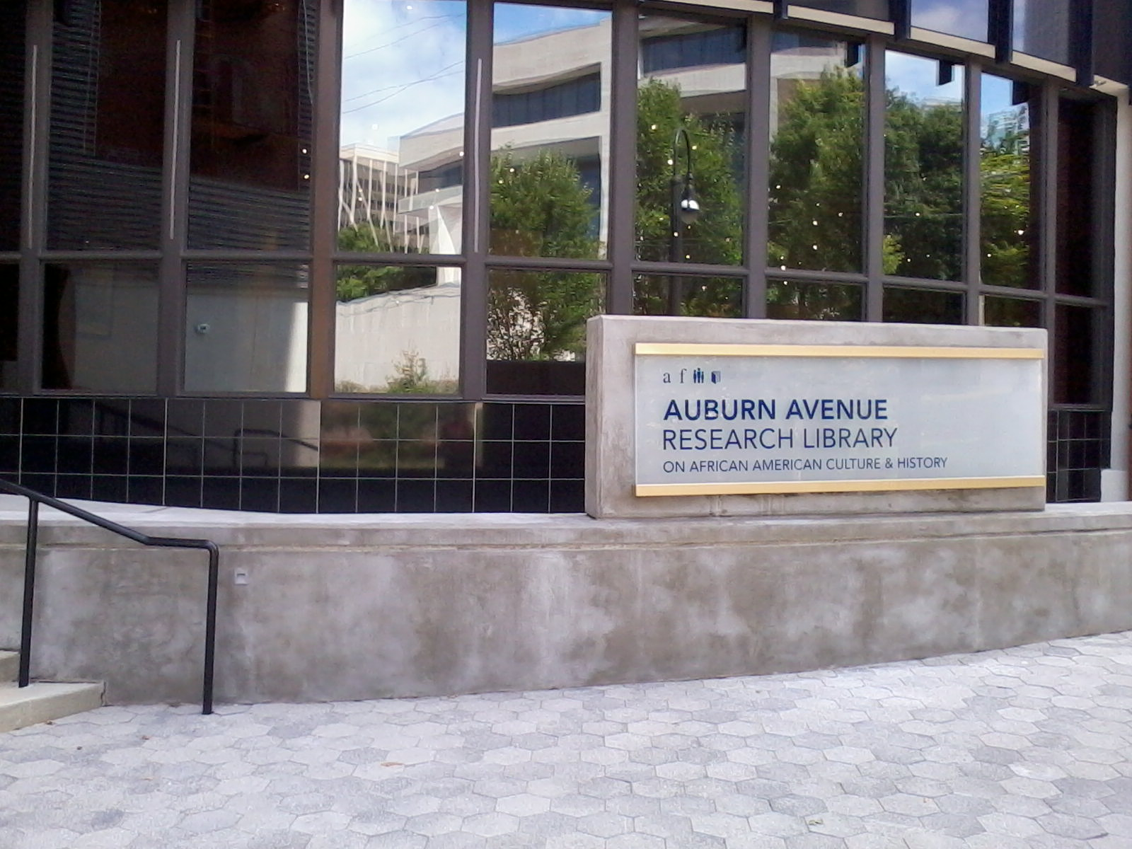 Photo of the entrance to the Auburn Avenue Research Library