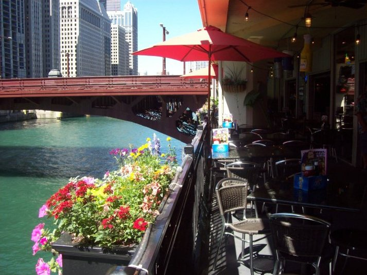 Outdoor Patio on the Chicago River