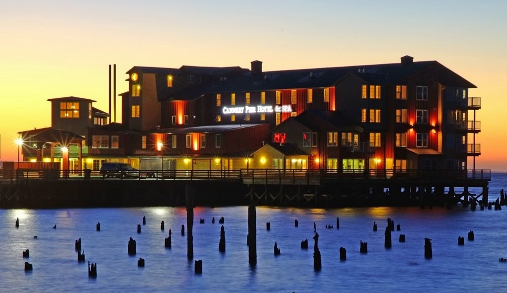 The Cannery Pier Hotel offers guests unparalleled views of a real working river, as well as views of Cape Disappointment Lighthouse and nearby Washington.
