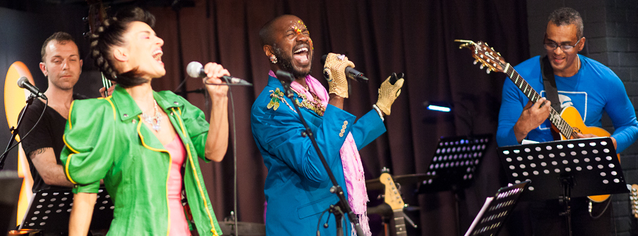 David McAlmont and Sam Obernik sing Wall To Wall Bowie