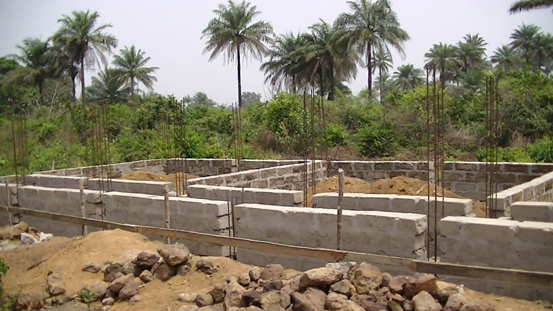 Three Communities school in Rogbomtama in progress