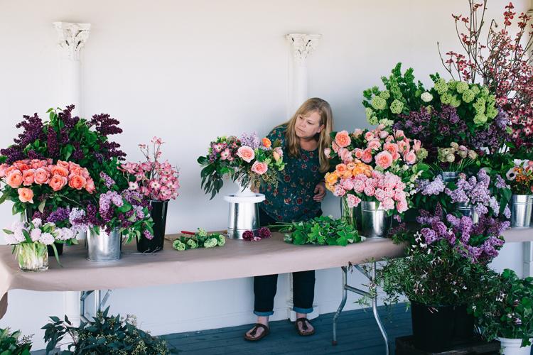 Alicia Schwede Designing at a floral designer workshop