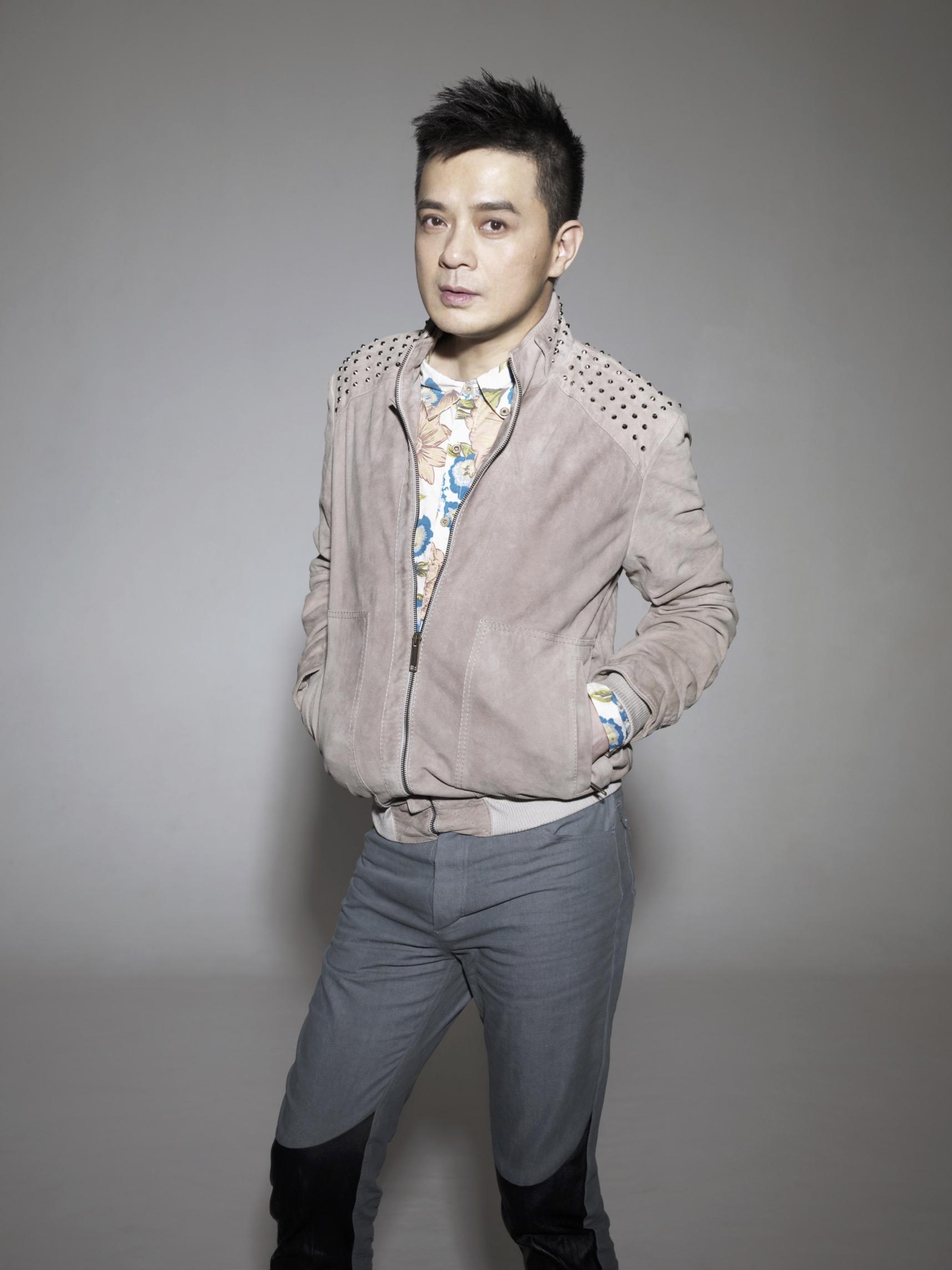 著名歌手 黃耀明先生
