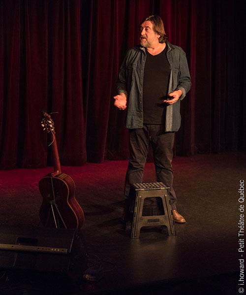 Jofroi lors de son spectacle au petit Théâtre de Québec