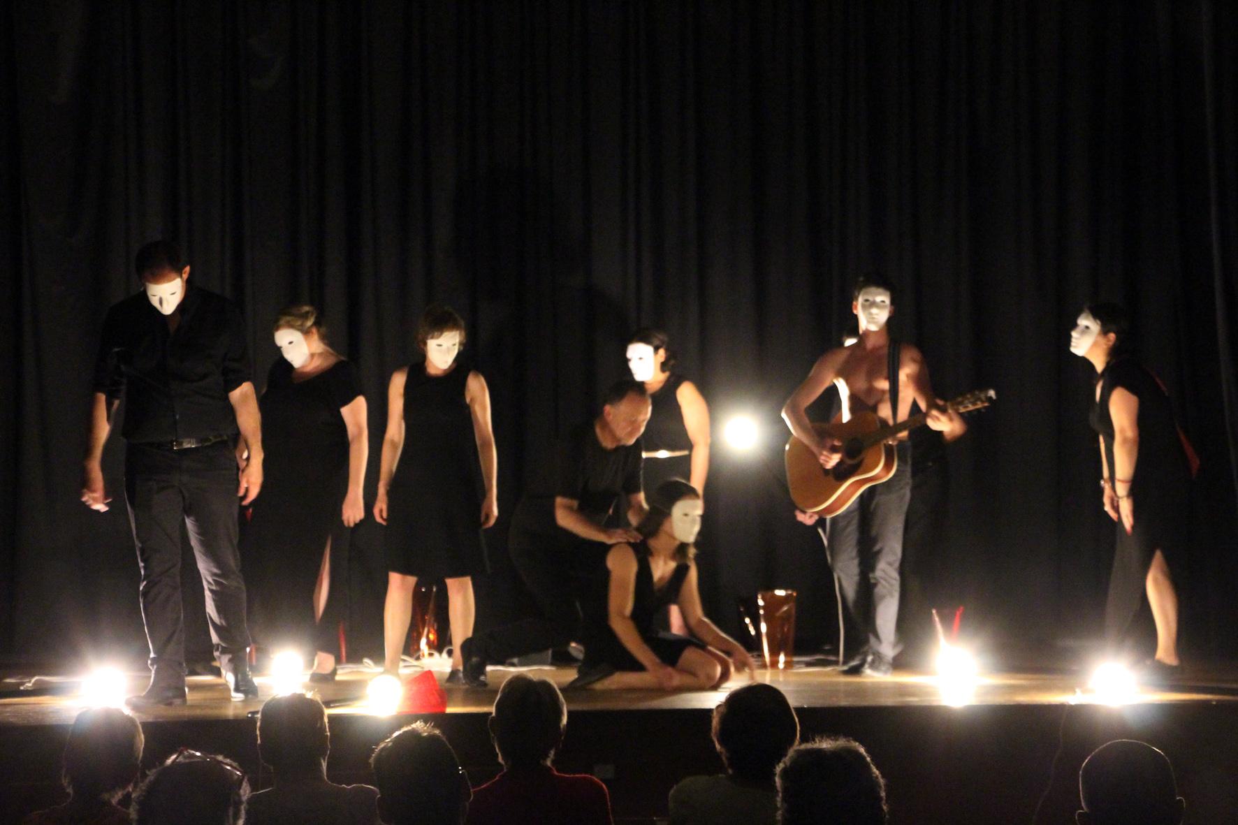 troupe des cagots sur scène