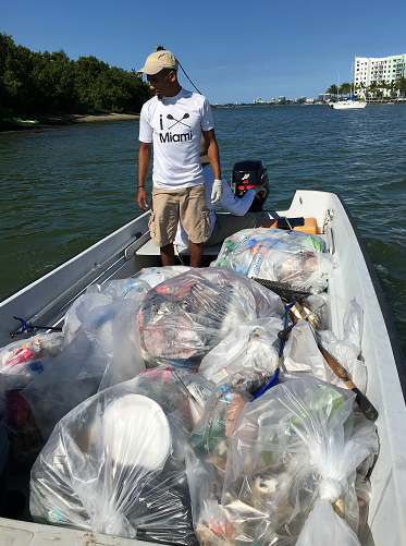 Critical Splash: iPaddle Miami cleans up Biscayne Bay around Miami's Upper East Side every thried Friday of the Month