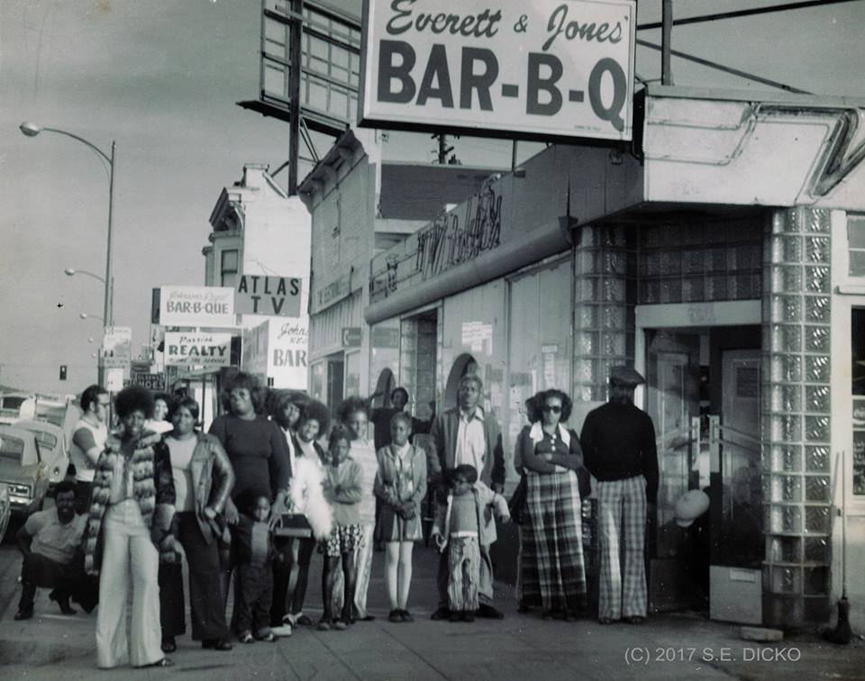 The 1st Everett and Jones BBQ restaurant opened in 1973, at 9211 East 14th Street in Oakland, CA