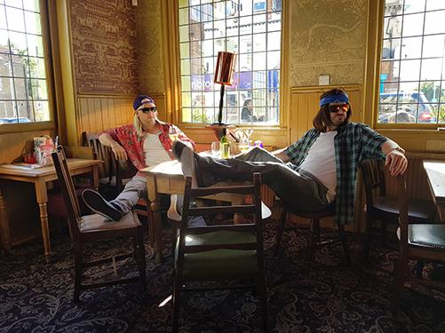 Cosi Fan Tutte 2017 Pub Scene