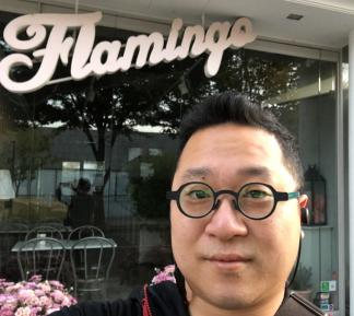 Yong-Bee Lim's headshot