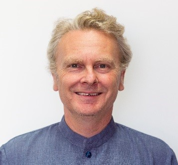 Image of the presenter, Julian Fraillon