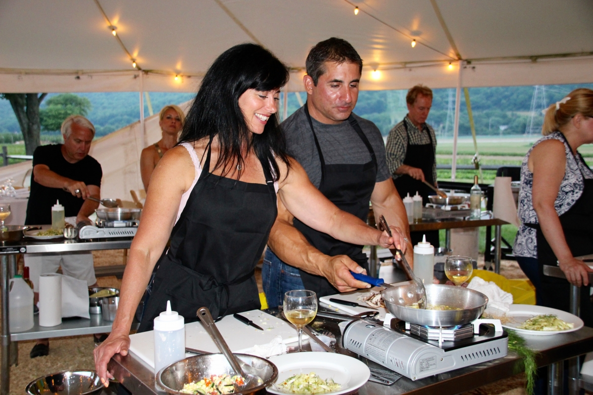 Harvest Cook & Dine Chef Eric Levine Cooking Couple