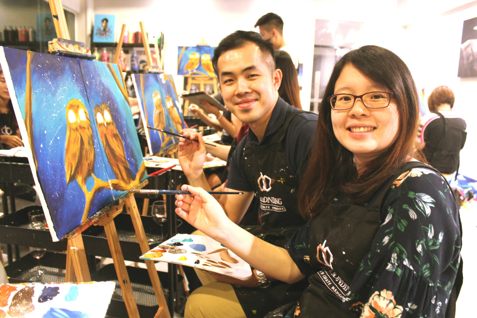 couple-painting-dating-date-night-art-and-bonding-artstudiokl-wine-and-paint