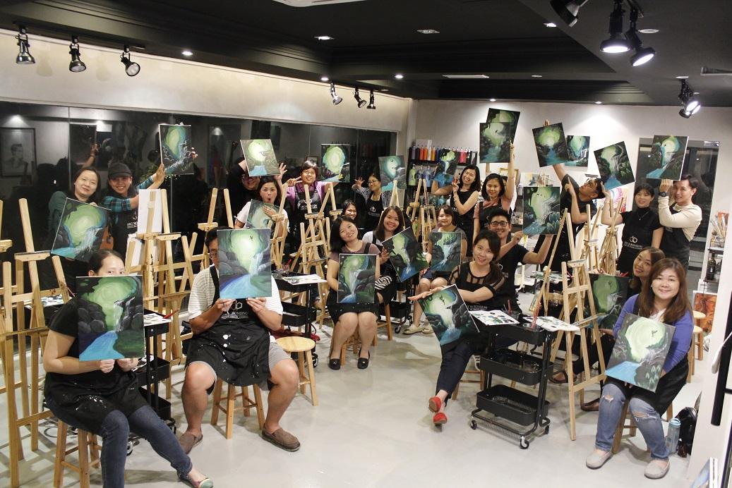 sip and paint-kuala lumpur-artandbonding-artclass-painting workshop
