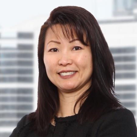 Lily Lam Headshot