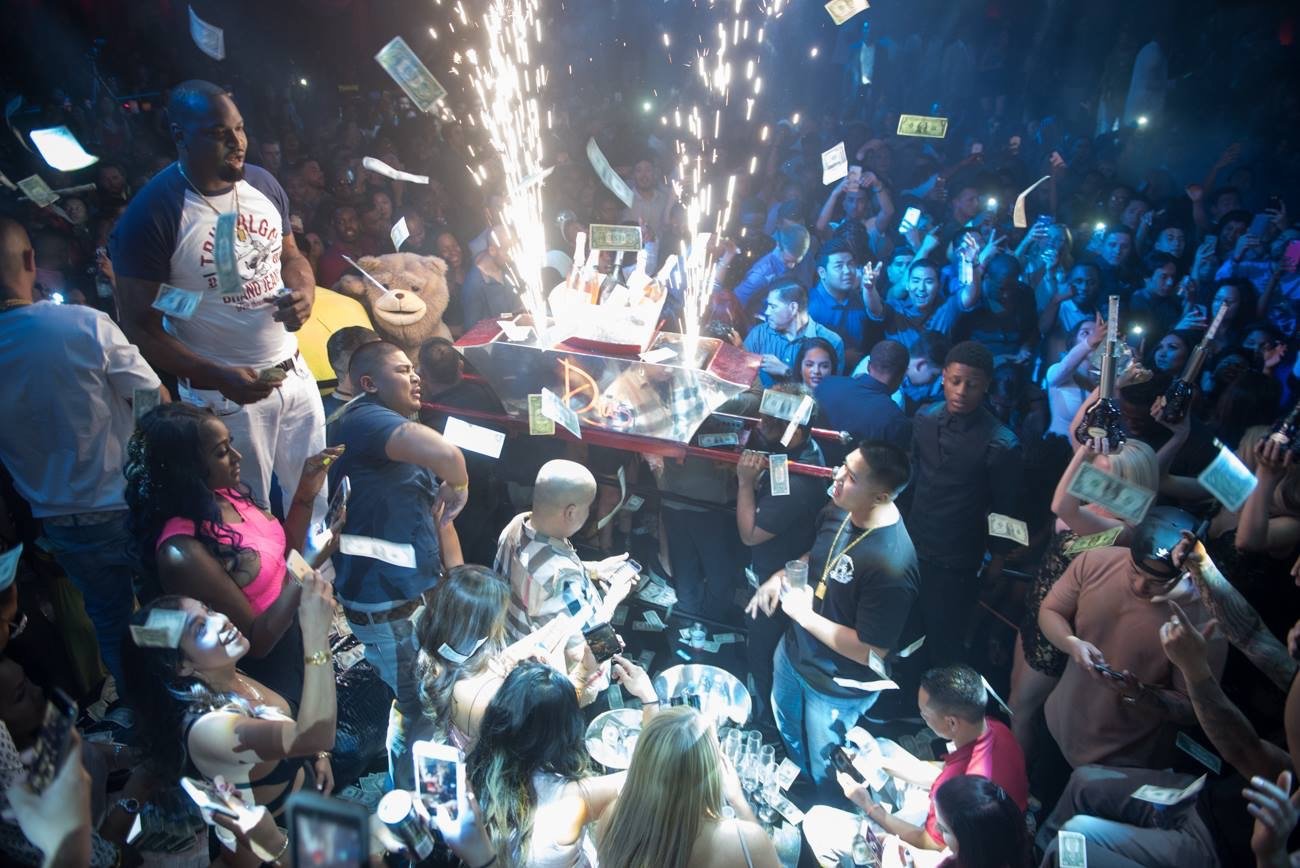 drais nightclub vip tables vip host