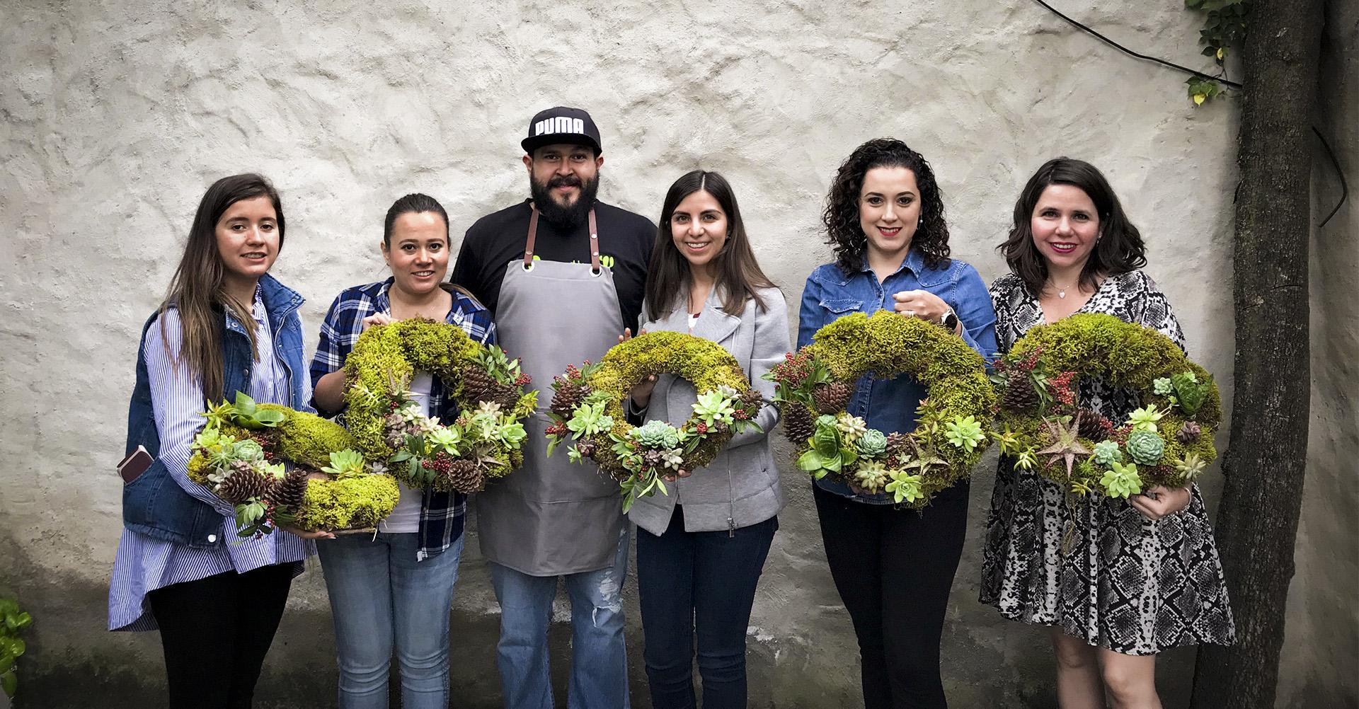 Taller coronas Navideñas de musgo y suculentas en Punto Zero Waste Guadalajara