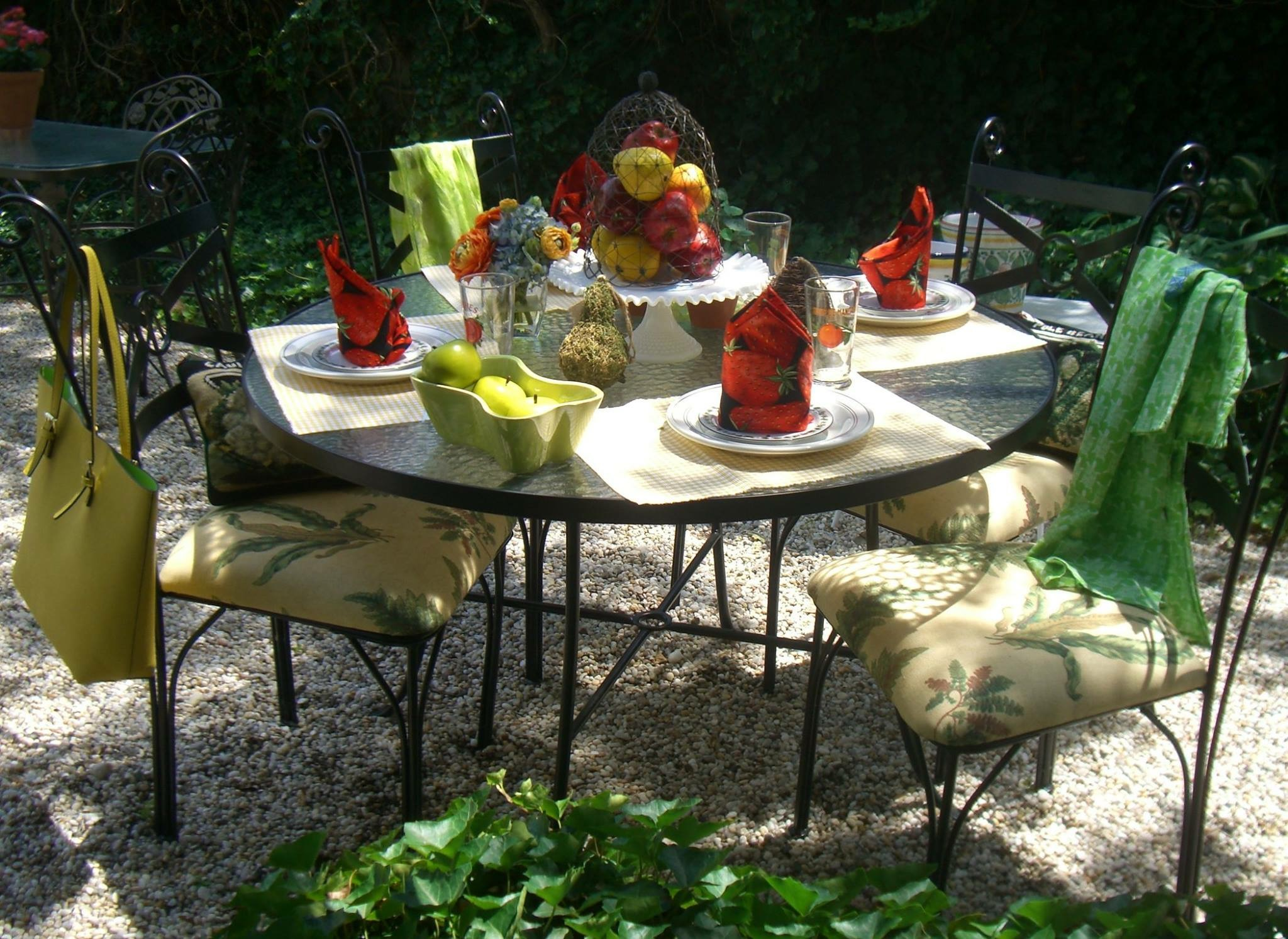 VINTAGE PATIO FURNITURE SALE !! Greenwich Exchange with PATTY\'S ...