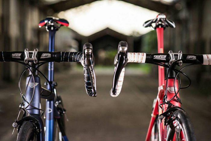 DIZO Iron Man & Spiderman Road Bikes Front On